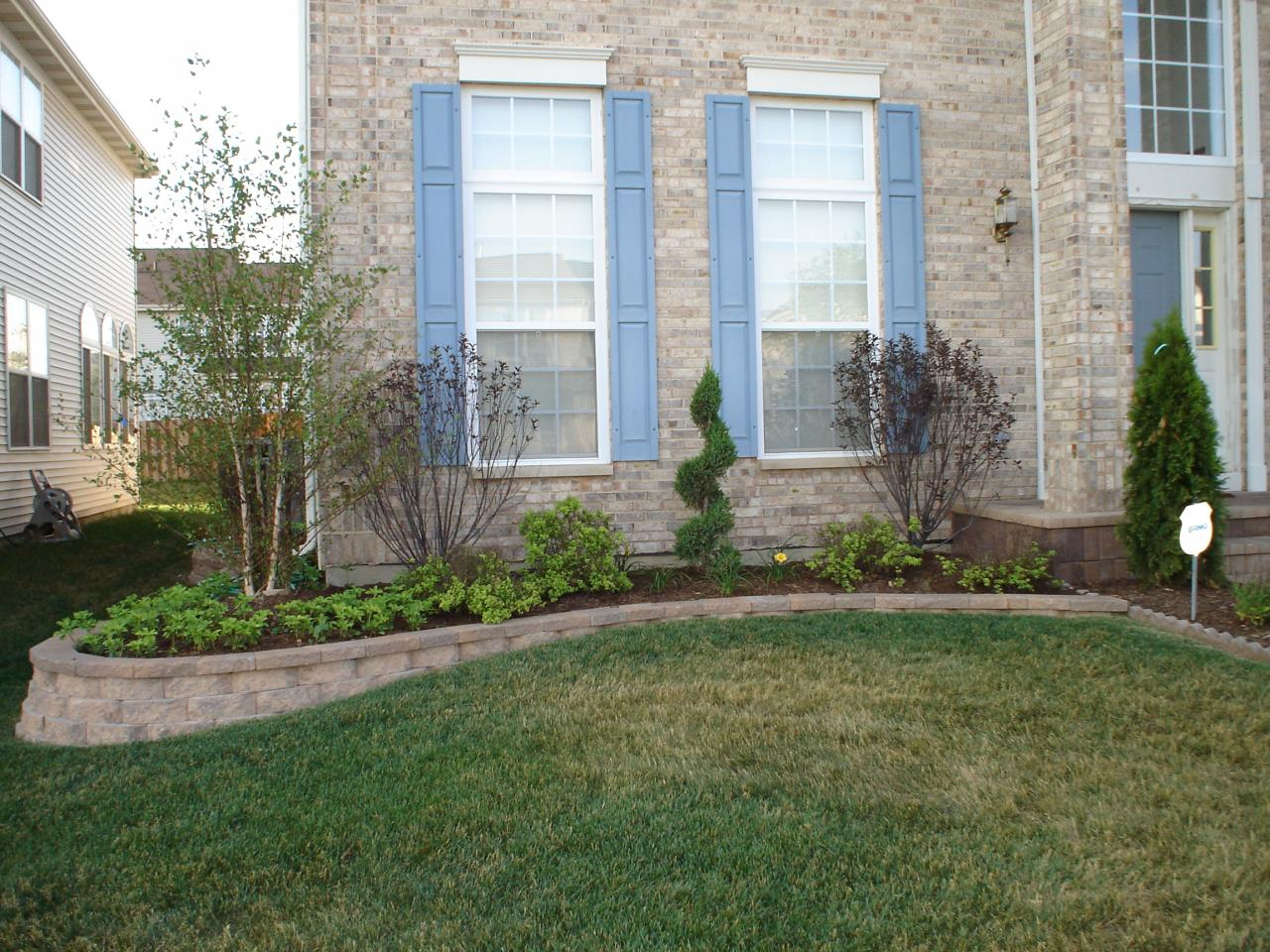 Landscaping Retaining Walls : slope to j retaining walls free estimates call concrete landscaping
